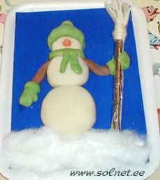 Картинки из пластилина на картоне снеговик